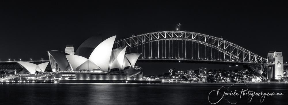 Australia -Iconic View of Sydney Harbour in black and white